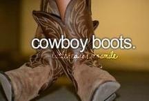 Boots I Want! / by Minerva Drinkard