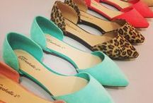 Accessories + Shoes / by Jaclyn Arens