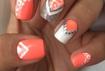 nails / by Morgan Dahl
