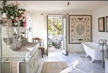 Bathrooms / by Dawn Tofte