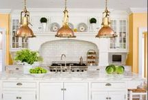 Kitchens / by Dawn Tofte