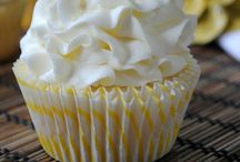Cupcakes!! / by Alyssa Borowiak