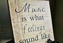 Musique / Pour ce qu'elles me rappellent, ce qu'elles me disent, ce qu'elles me font sentir...  et ce depuis toujours! / by Colette Maillé