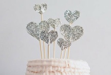 Holiday / Halloween, Christmas & Valentine's Day decor / by Hannah Mendes