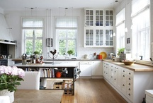 kitchen & dining room / by Hanh Truong