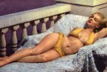 Marilyn * Monroe <3  / by Heidi Berg