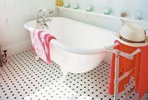 DECOR:  Draw Me a Bath (room) / by Ria Runkee