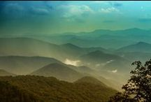 asheville: where it's at / by Cindy Reed