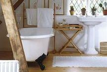 House - Bathrooms / by Dorien Erasmus