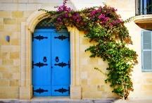 Doors / by Özlem Özkan
