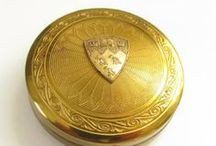 Vintage Compacts / by Grand Vintage Finery