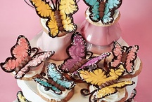 Cupcakes / Cakes - w/ Butterflies  / by Donna Pettite