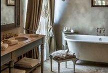 Bathrooms / by Lisa Smythe