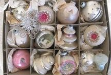 Pretty Christmas Things / These pins boil down to the Christmas things I think are real pretty.  Weather its something new or old. if I think its pretty, I am going to pin it to this board. / by paula anne evans