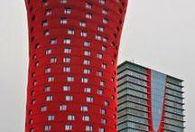 Edifícios / by Tainara Besen