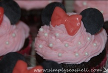 Minnie Mouse Birthday Party / by Michelle (simplyseashell.com)