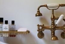 Bathroom / by Toby Yeld