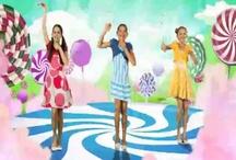 Just dance kids / Un petit 5 minutes pour bouger!!!!!  Vraiment fantastique!!! / by Ann Guindon