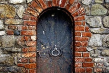 Delightful Doors / by Evelyn Thiele