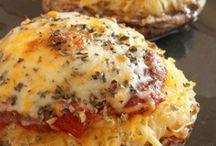 Delicious Looking Recipes  / by Keeli Bradley
