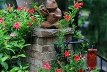 GARDEN IDEAS / by Cindy Fleming