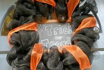 Halloween [on the blog] / decor ideas, free printables, diy tutorials, recipes and more!! / by Elizabeth and Julia {Southern Color}