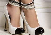 Shoes and Sandals / by Rosileia Real