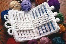 costureros y alfiletros    sewing box  and   pin / by Maru Loza
