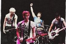 5 Seconds of Summer / This board is for good group pics of the boys / by Brianna Zavala