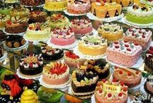 Cakes and Cupcakes / by Elizabeth Marchand
