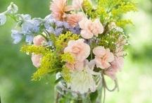 wedding flowers / by Hoang-Ha Mang