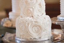 Cakes / by Ana Maria Estrella de Peguero