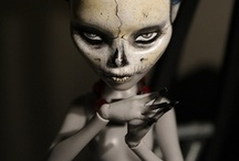 Do you want to play a game? / Freaky, creepy, awesome dolls and toys and stuff like that. / by Aiko