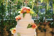 Cakes and food / by Pia