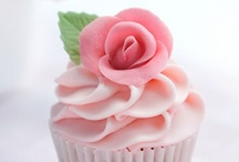 I love Cupcakes!! / by Luz Quintal