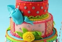 Incredibly Beautiful Cakes / by Carolyn Prescott
