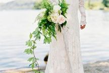 Wedding Bouquets / Beautiful #Wedding #Bouquets for #Flower Ideas and #Inspiration. #wildfloralbouquets #foraged / by Fly Away Bride
