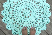 Tapis Crochet / by California's Hands