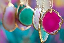 Fashion: Jewelry: Necklaces / by Kiki H.