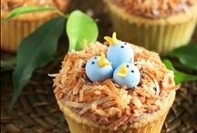 Cake: Cupcakes / by Kiki H.