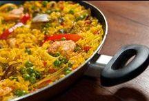 Food: Easy & Uncomplicated meals  / by Miriam Da Silva