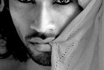 The beauty of men / by Beth Kerr