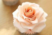 Cupcakes! / I love cupcakes! / by Lauren K.