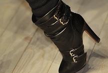 Shoes / by Hannah Masri