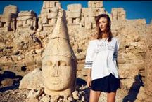 Argande 2014 Yaz Koleksiyonu / Koleksiyonu birlikte hazırlayan üç tasarımcı,  Deniz Yeğin İkiışık, Nihan Peker ve Aslı Filinta, Nemrut Dağı'nın büyüleyici konumundan ve görkemli heykellerinden aldıkları ilhamı kendi yaratıcılıklarıyla yorumladı ve ortaya ses getirecek bir koleksiyon çıkarttı. Nemrut Dağı'nın gizemini bünyesinde barındıran Argande koleksiyonunun fotoğraf çekimi, Tamer Yılmaz tarafından Sema Şimşek'in modelliğinde Nemrut Dağı'nın eteklerinde yapıldı. / by UNDP Türkiye
