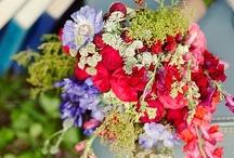 wedding flowers / by English Wedding Blog
