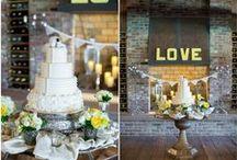 Rustic Wedding Cakes / Rustic wedding cakes for your rustic or country wedding from rusticweddingchic.com / by Rustic Wedding Chic