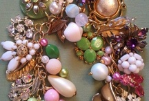 beads, buttons & bling / wonderful things created from beads & buttons and all things bling / by Mary Rushing