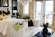 Beautiful Bedrooms / by Alma Arnold