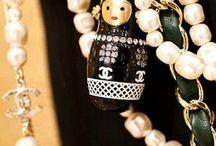 Necklaces, bracelets & more / by Leonor Izaguirre